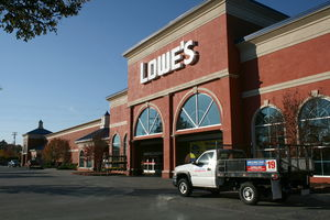 2008-11-10_Lowe's_Home_Improvement_Warehouse_in_Chapel_Hill