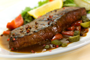 New York Steak- meat on Green Salad,Red Bell Pepper and Capers o